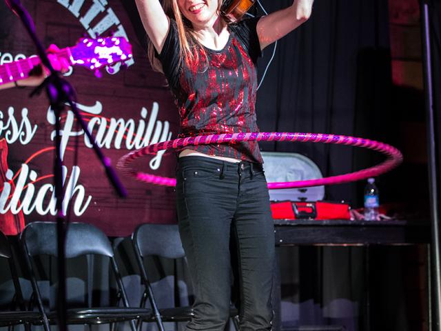 Danielle Ross hula hooping